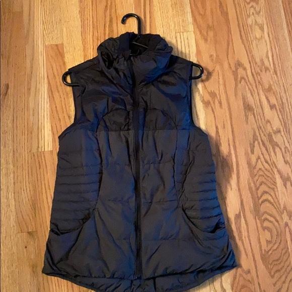 Lululemon woman's vest so cute